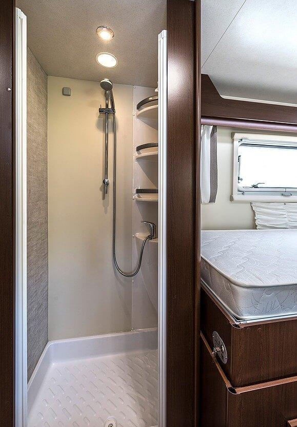 ahorn alaska te wohnmobil vermietung brandenburg mieten. Black Bedroom Furniture Sets. Home Design Ideas